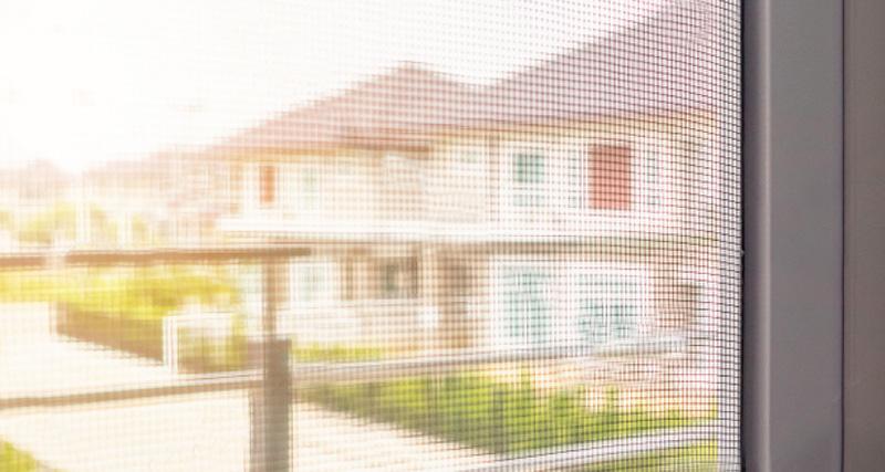 pevná sieťka proti hmyzu na okná