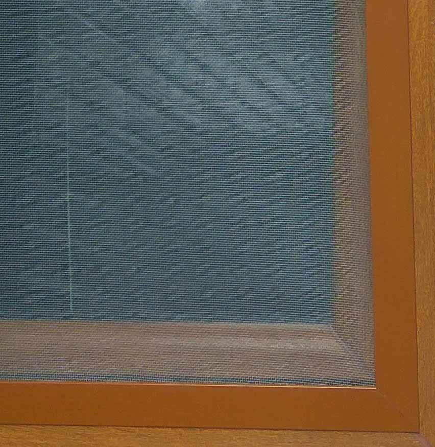 sieťka proti hmyzu na okná - hnedá